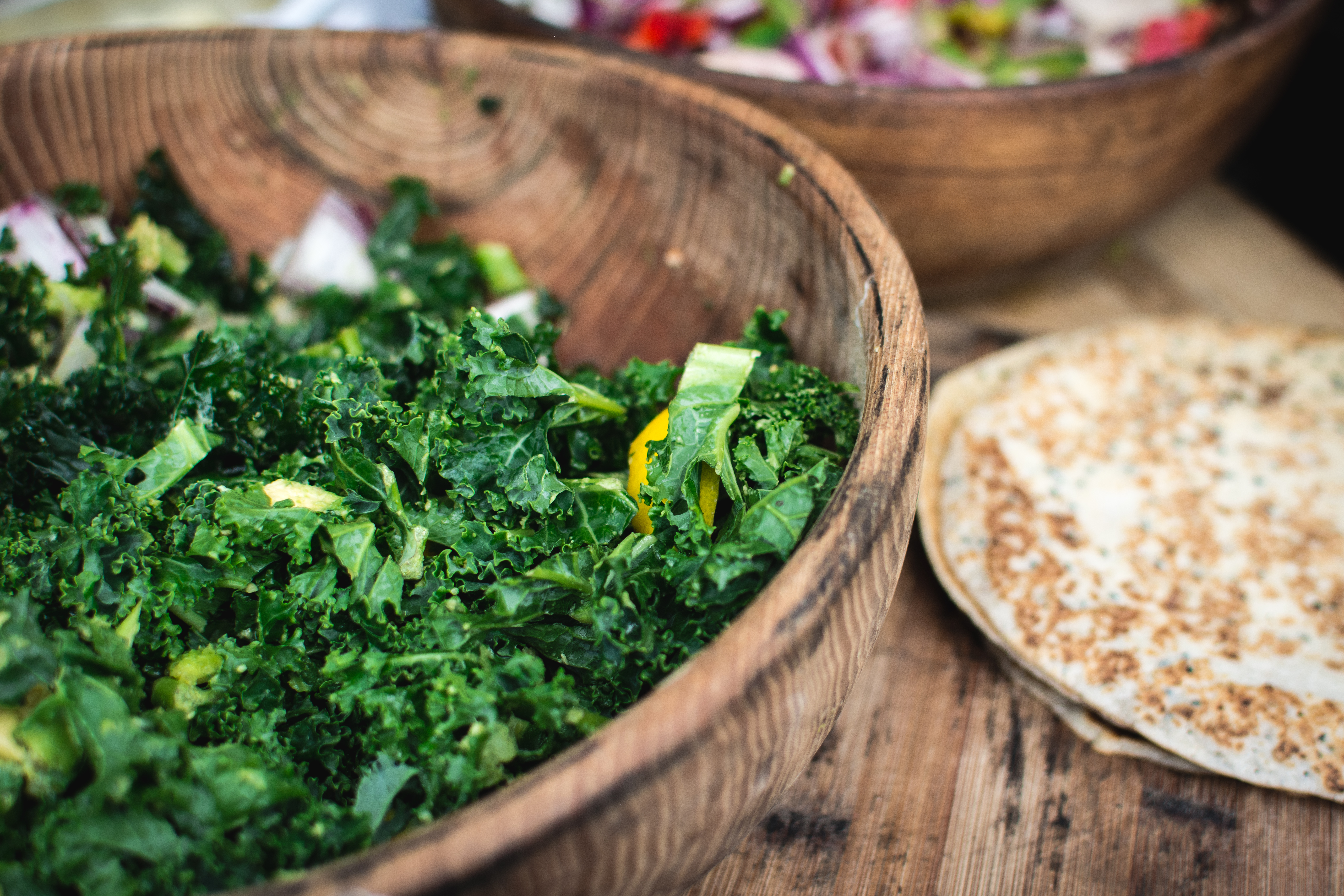 foodiesfeed.com_chopped-kale-in-wooden-bowl1